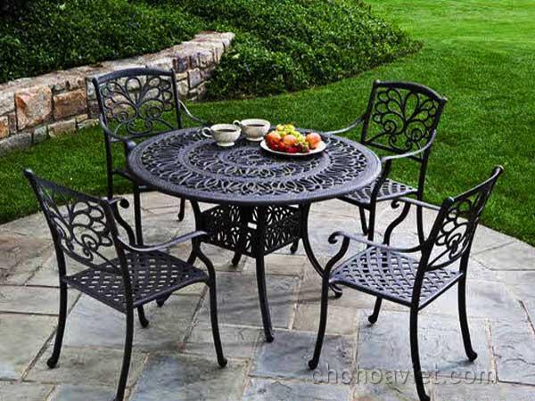 bàn ghế trang trí sân vườn3