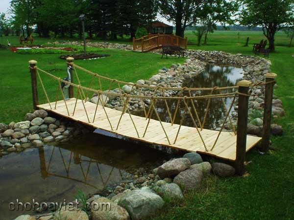cầu trang trí sân vườn4